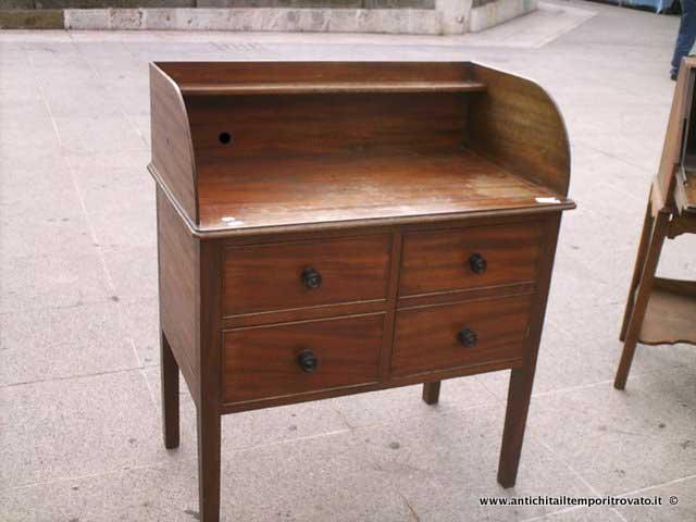 Antiquariato e restauro di mobili d\'epoca e antichi a Cagliari