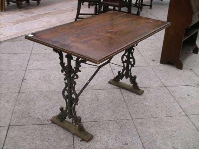 Antichit il tempo ritrovato antiquariato e restauro mobili antichi tavoli e tavolini - Tavoli da falegname nuovi ...
