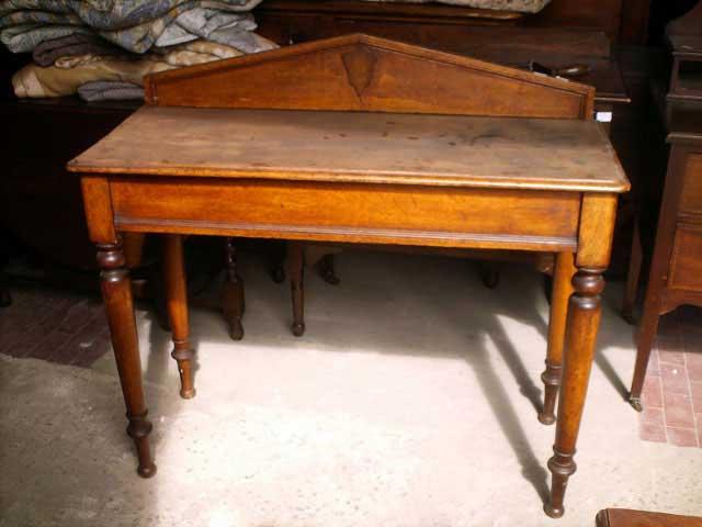 Tavolo Consolle Antico.Antichita Il Tempo Ritrovato Antiquariato E Restauro