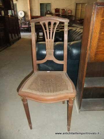 ... - Mobili antichi-Sedie-Antica sedia francese Antica sedia con bronzi