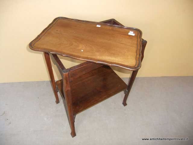 Tavolino Con Vassoio Asportabile.Antichita Il Tempo Ritrovato Antiquariato E Restauro