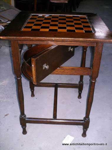... restauro - Mobili antichi-Tavoli da gioco-Tavolino con scacchiera 1930