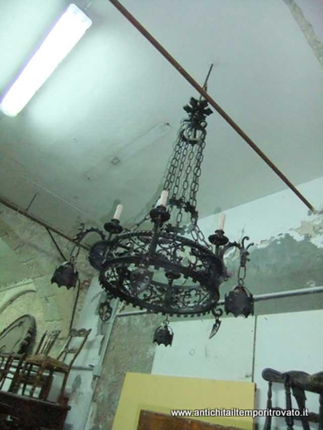 Antichit u00e0 il tempo ritrovato   Antiquariato e restauro   Oggettistica d`epoca Lampadari e     -> Lampadari Antichi In Porcellana