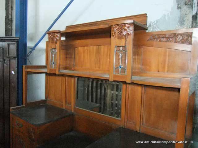 Credenza Con Vetrina Antica : Antichità il tempo ritrovato antiquariato e restauro vetrina