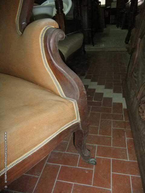 Antichit il tempo ritrovato antiquariato e restauro mobili antichi divani divano luigi - Divano luigi filippo quotazione ...