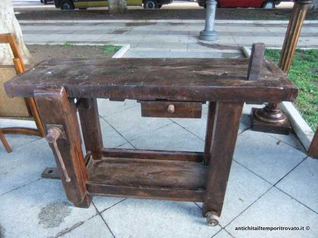 Mobili e oggetti antichi falsi e copie nellu arte for Acquisto mobili antichi napoli