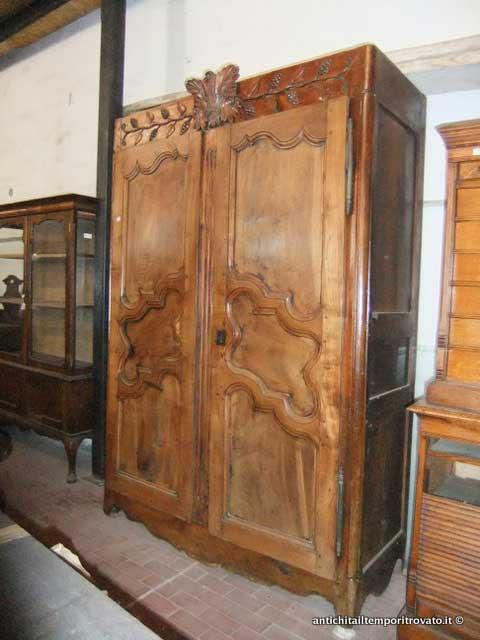 Antico armadio del 700 - Armadio provenzale del 700