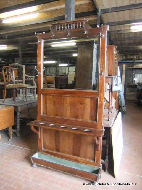 Antichit il tempo ritrovato antiquariato e restauro mobili antichi mobili vari antico porta - Porta abiti ingresso ...