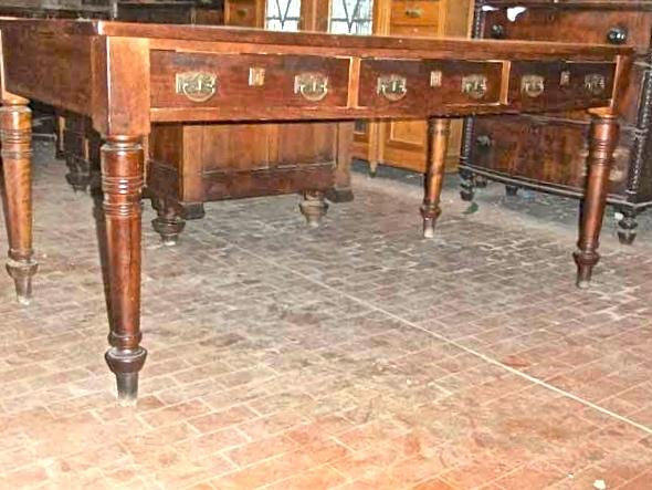 Scrivania Grande Da Ufficio : Antichità il tempo ritrovato antiquariato e restauro mobili