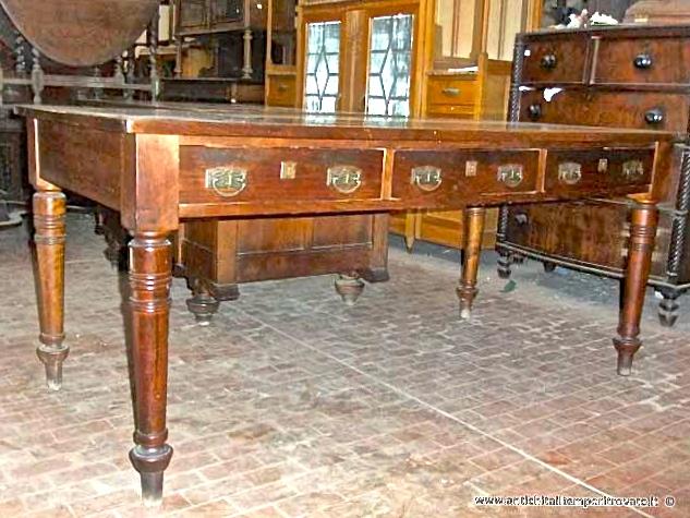 Scrivania Ufficio Grande : Antichità il tempo ritrovato antiquariato e restauro mobili