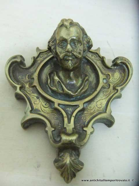 Antichit il tempo ritrovato antiquariato e restauro oggettistica d epoca bronzo ottone - Fregi per mobili ...