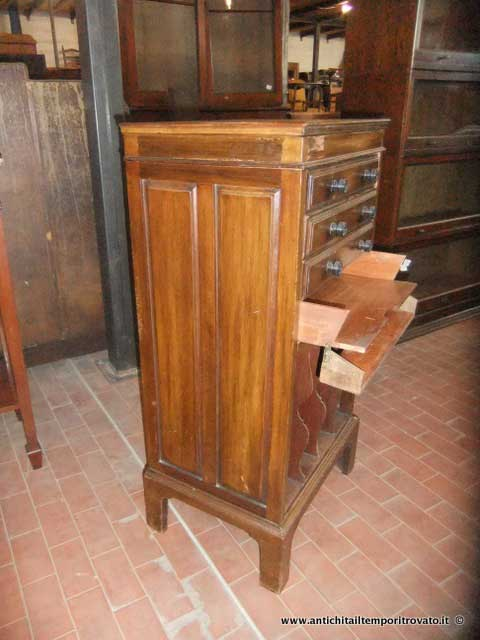 Cassettiera Ufficio D Epoca.Antichita Il Tempo Ritrovato Antiquariato E Restauro Mobili