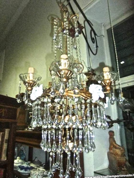 Oggettistica d`epoca - Lampadari e lampadeAntico lampadario con rose ...