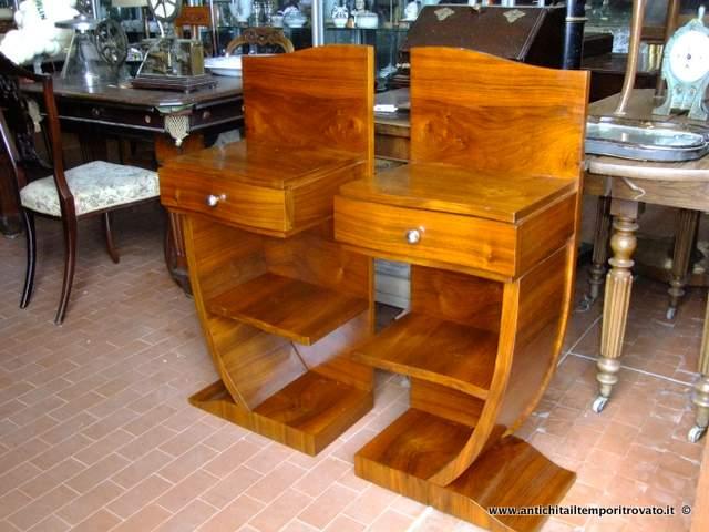 Antichit il tempo ritrovato antiquariato e restauro mobili antichi comodini coppia di - Restauro mobili impiallacciati ...