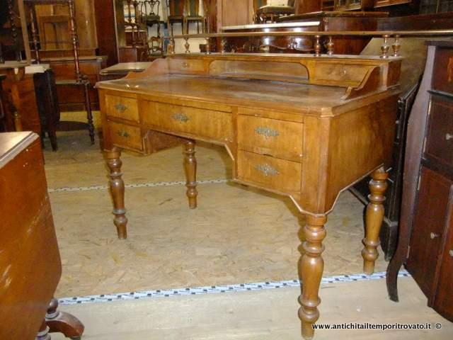 Scrivania antica ispirazione di design per la casa e - Mobili di antiquariato ...