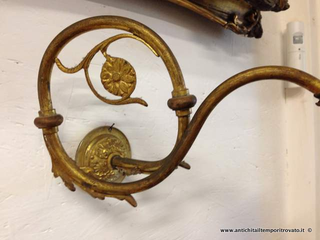 ... Applique liberty in ottone snodabile Antica lampada da muro articolata