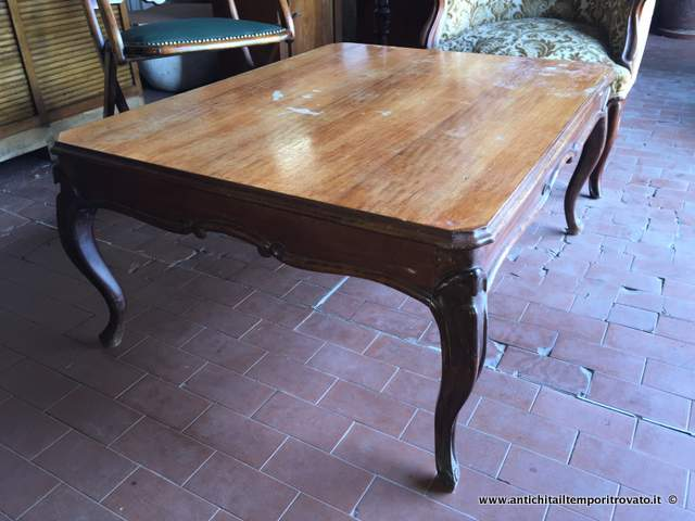 Tavolino Basso Antico Da Salotto.Antichita Il Tempo Ritrovato Antiquariato E Restauro