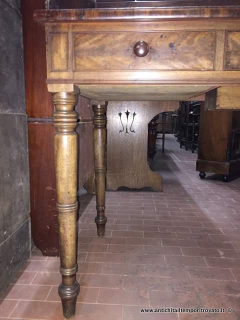 Antichit il tempo ritrovato antiquariato e restauro mobili antichi toilettes antico mobile - Mobile bagno doppio lavello ...
