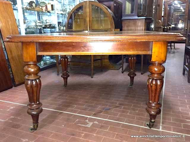 Antichit il tempo ritrovato antiquariato e restauro - Tavolo 14 posti ...