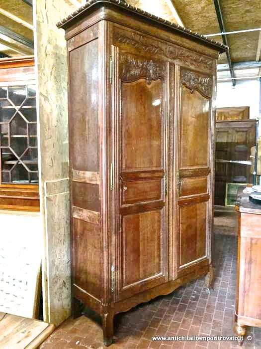 Antiquariato e restauro di mobili d 39 epoca e antichi a cagliari for Armadio di campagna francese