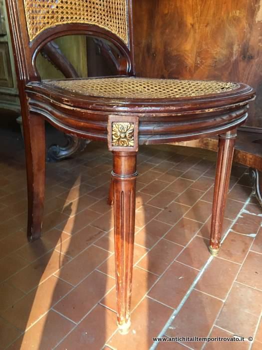 Antichit il tempo ritrovato antiquariato e restauro mobili antichi sedie quattro sedie - Mobili antichi francesi ...