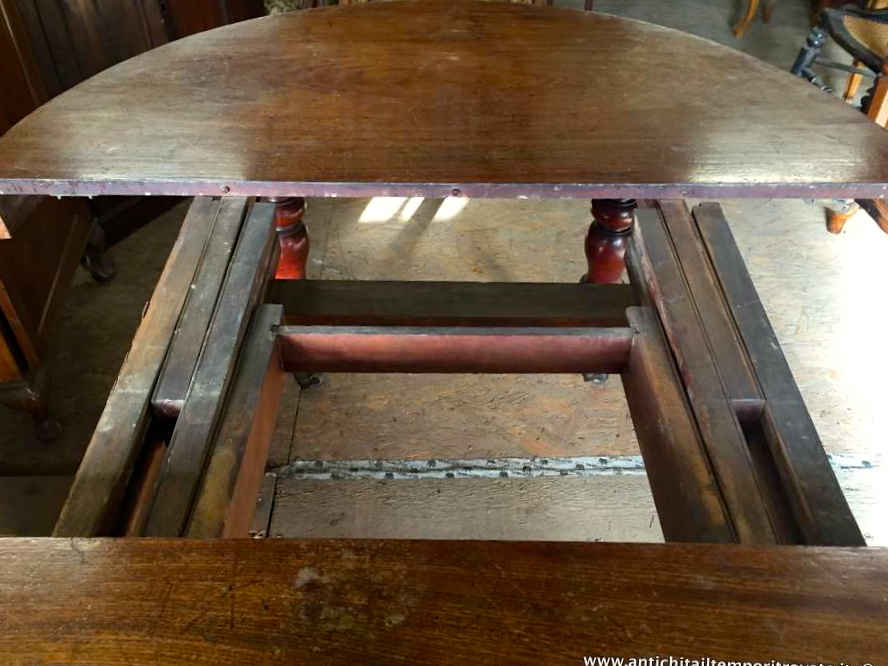 Tavolo Con Gambe Tornite Artemide : Antichità il tempo ritrovato antiquariato e restauro
