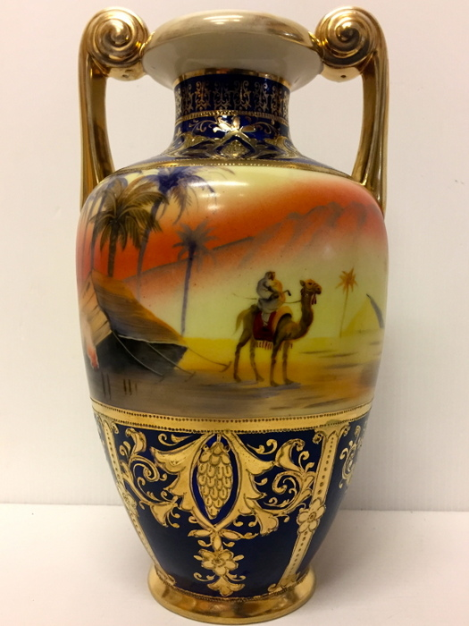 Antichit il tempo ritrovato antiquariato e restauro for Vaso di porcellana