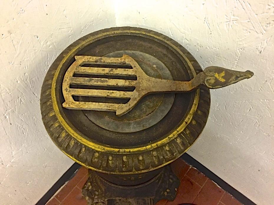 Stufa Cucina A Legna Antica.Antichita Il Tempo Ritrovato Antiquariato E Restauro
