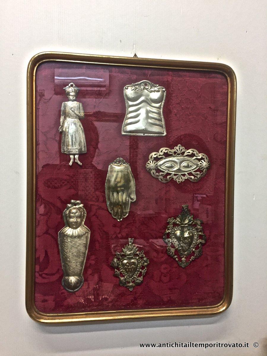 Ex voto in metallo bagno argento occhi 20x16 Napoli